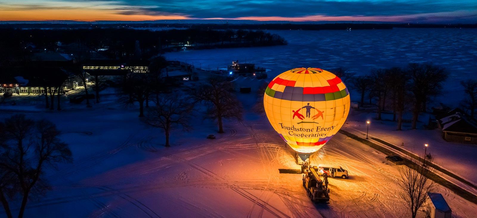 https://cbaballoon.com/sites/cbaballoon/files/revslider/image/Revslider-Balloon-Background.jpg